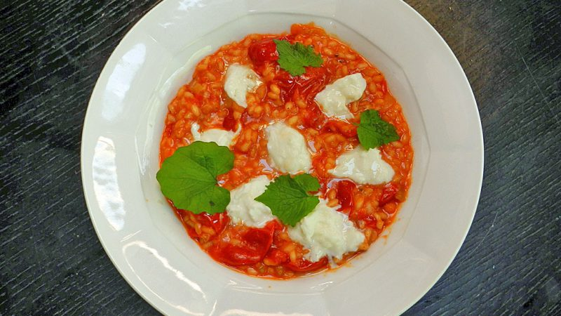 Bringt Farbe auf den Teller: Tomatenrisotto.