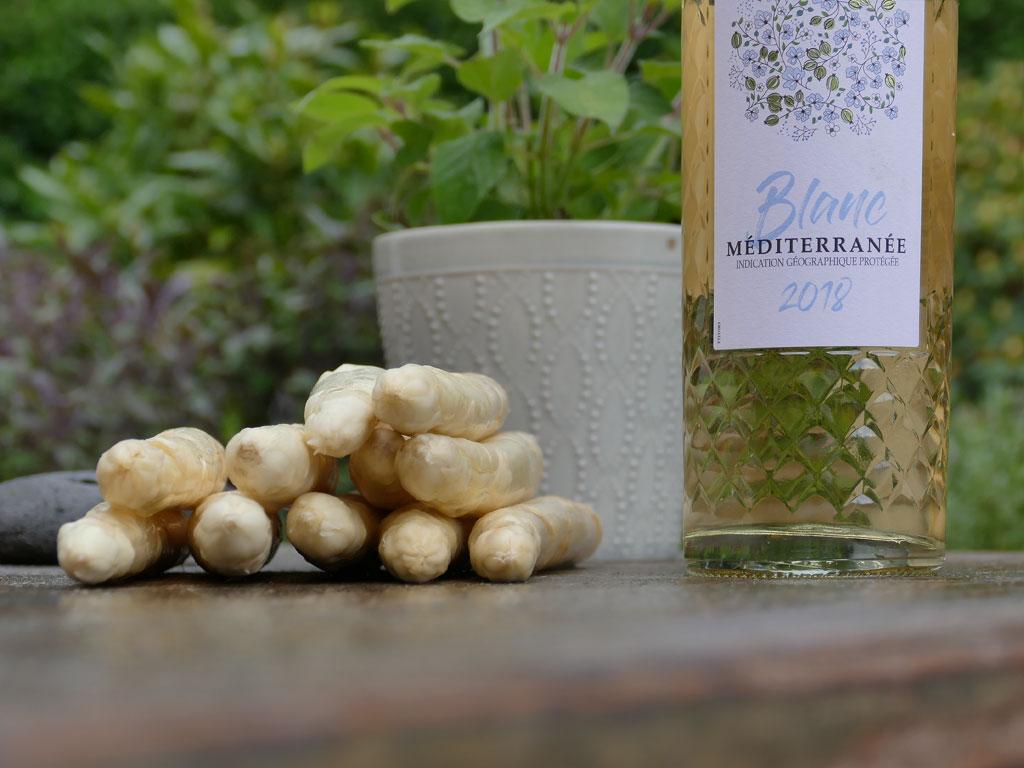 Frischer weißer Spargel aus Schwetzingen und ein leichter Weißwein