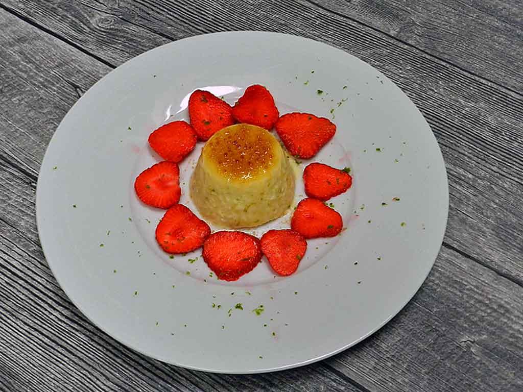 Zum Dahinschmelzen: Joghurt-Limetten-Parfait.