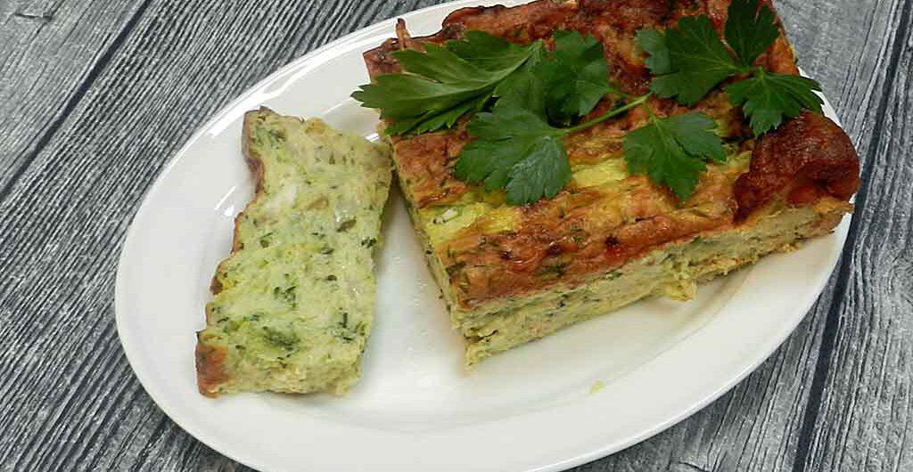 Lässt sich vorbereiten: Zucchini-Kuchen.