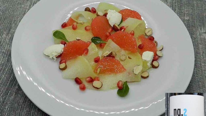 Bitter und süß: Der Obstsalat rundet das Essen harmonisch ab.