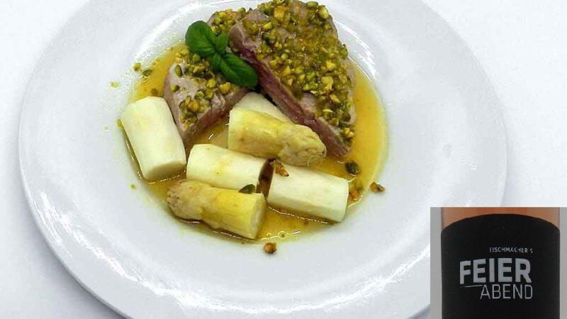 Ginge auch als Festessen: Spargel und Thunfisch.